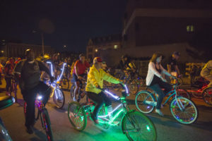 dlectricity-light-bike-parade-gimme-artsnow